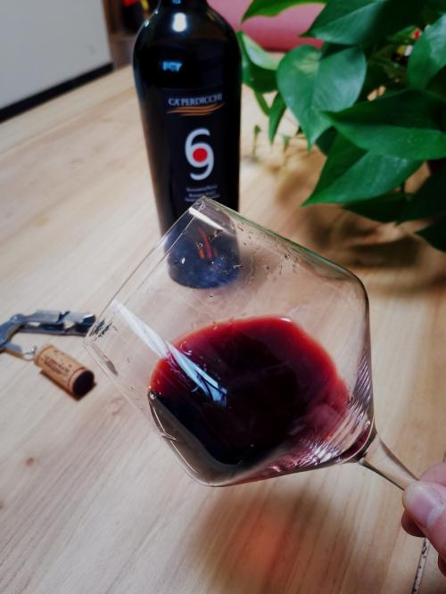 神奇的意大利,有阿玛尼、兰博基尼、马尔蒂尼……还出顶流葡萄酒